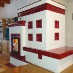 Hafner Meisterbetrieb - Klassischer Kacheloften in rot und weiß