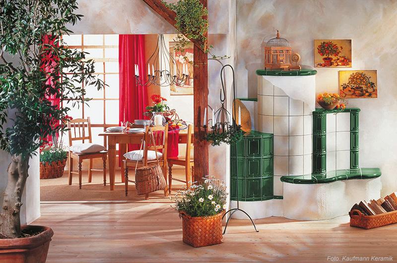 Klassischer grüner Kachelherd der Firma Kaufmann Keramik